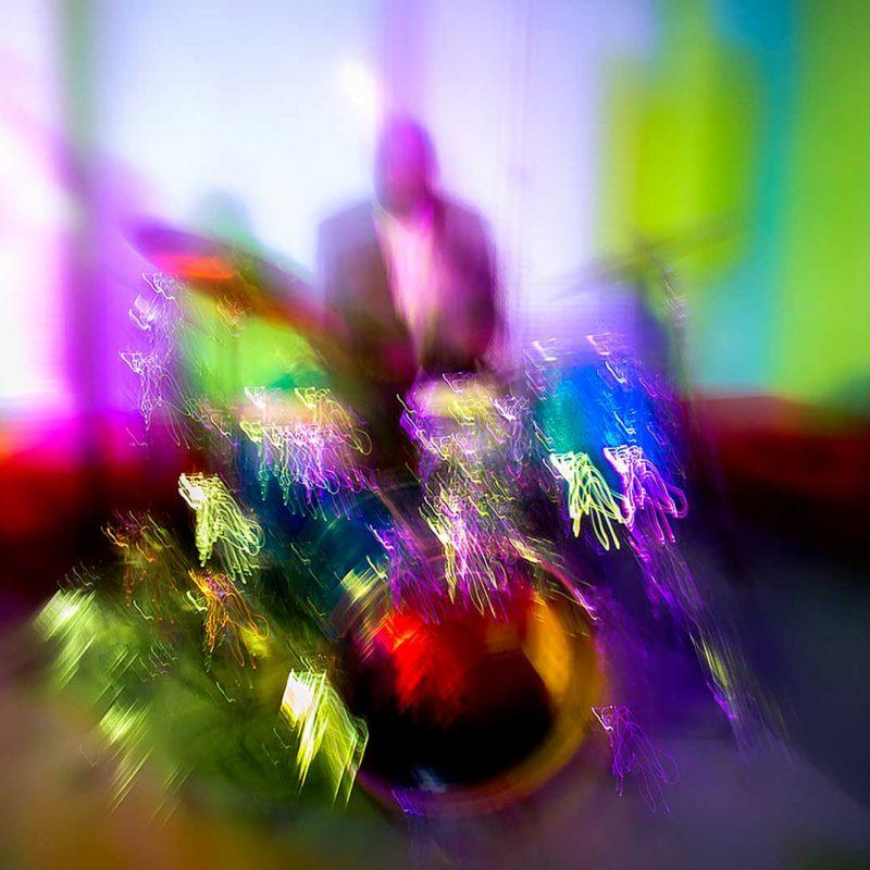 Visualized Sound and action of a jazz drummer;Visualisierter Klang und Aktion eines Schlagzeugers